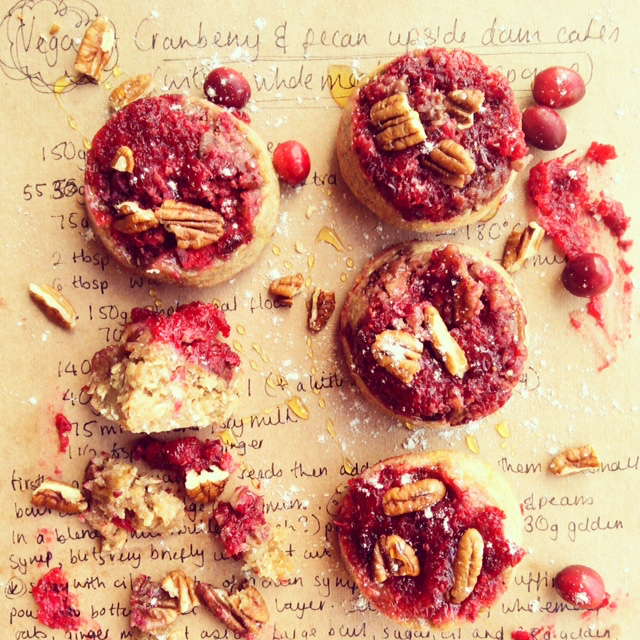 upside-down-cakes-cake-pecan-and-cranberry-recipe-baking-red-berry