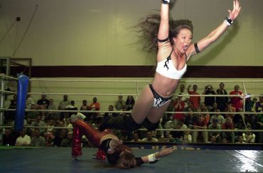 wrestle-mania-female-wrestlers
