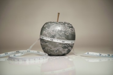 lose-fat-apple-measuring-tape