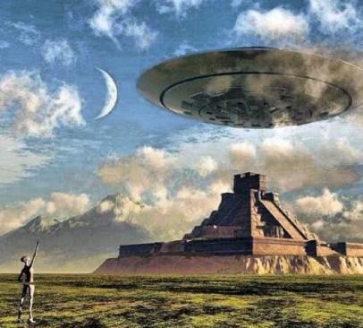 ufo-paira-sobre-piramide