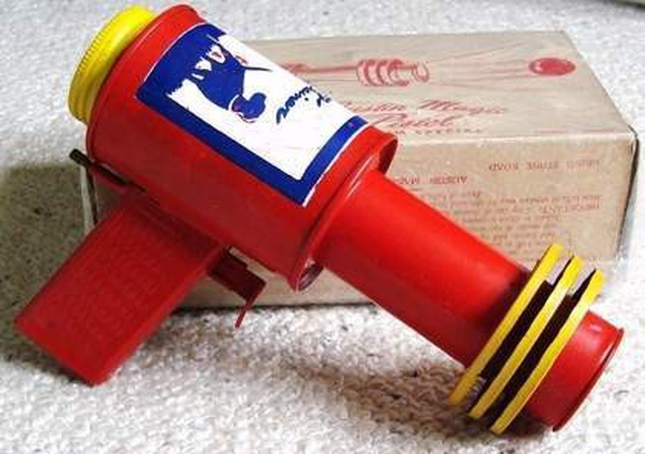 10 Ridiculously Dangerous Toys From Our Past
