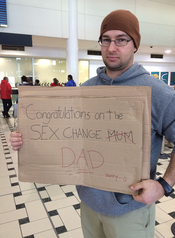 40 hilarious airport greeting signs that are both funny and embarrassing