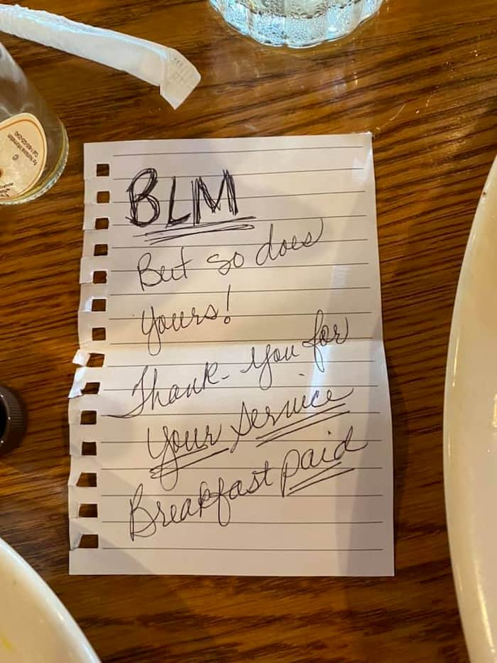 black women paid for a deputy's meal and left behind a touching note