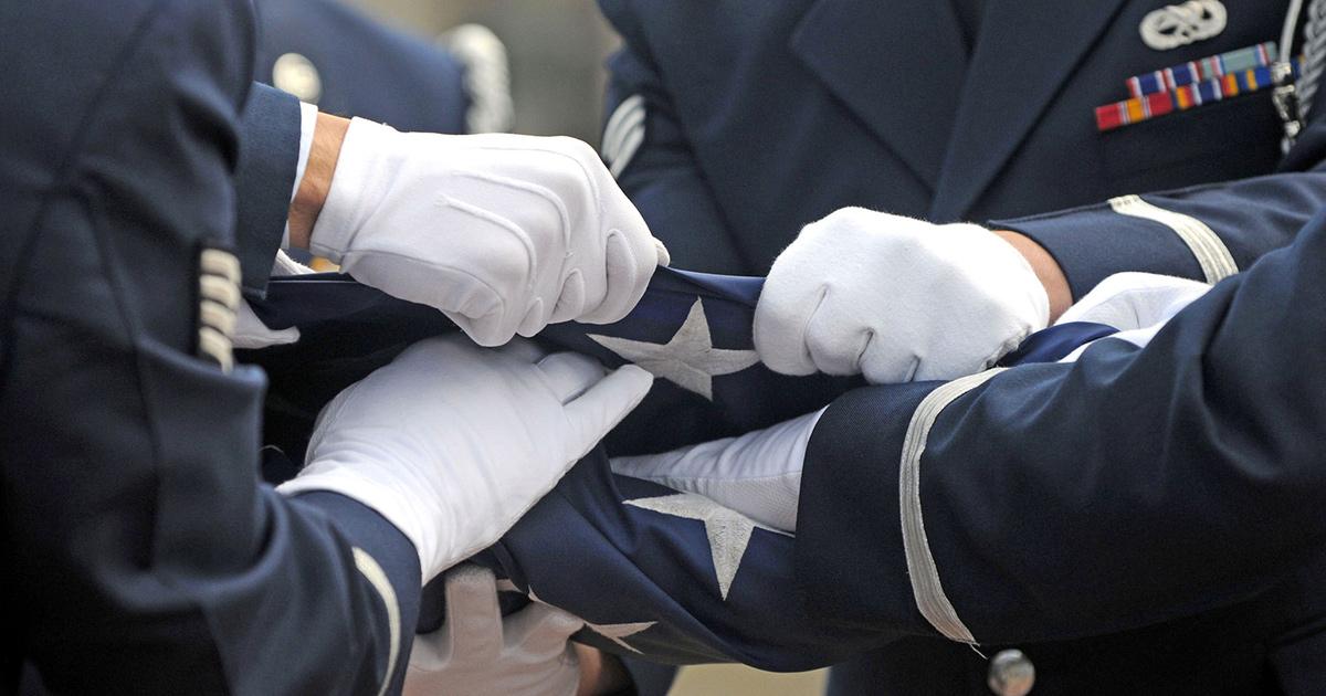 elderly vietnam war veteran stands guard over fellow marine casket to fulfill 50-year promise