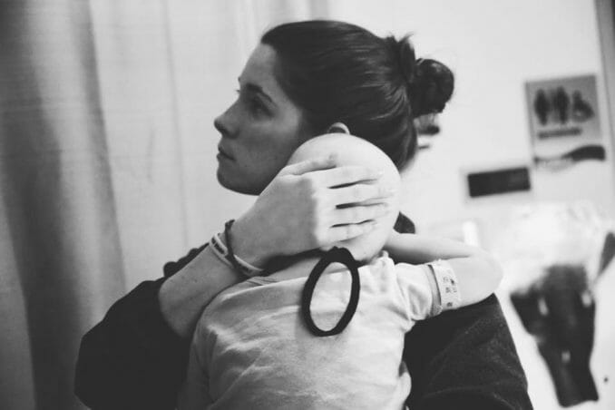 struggling nurse tries to be 'sneaky,' but mom snaps photos letting everyone know she saw her