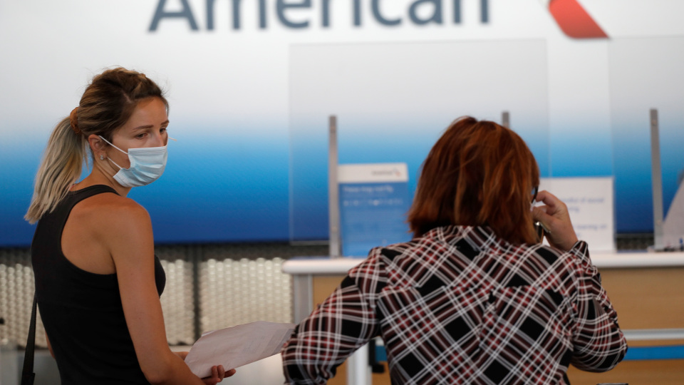 man gets kicked off plane for refusing to wear mask, now he's been banned from airline