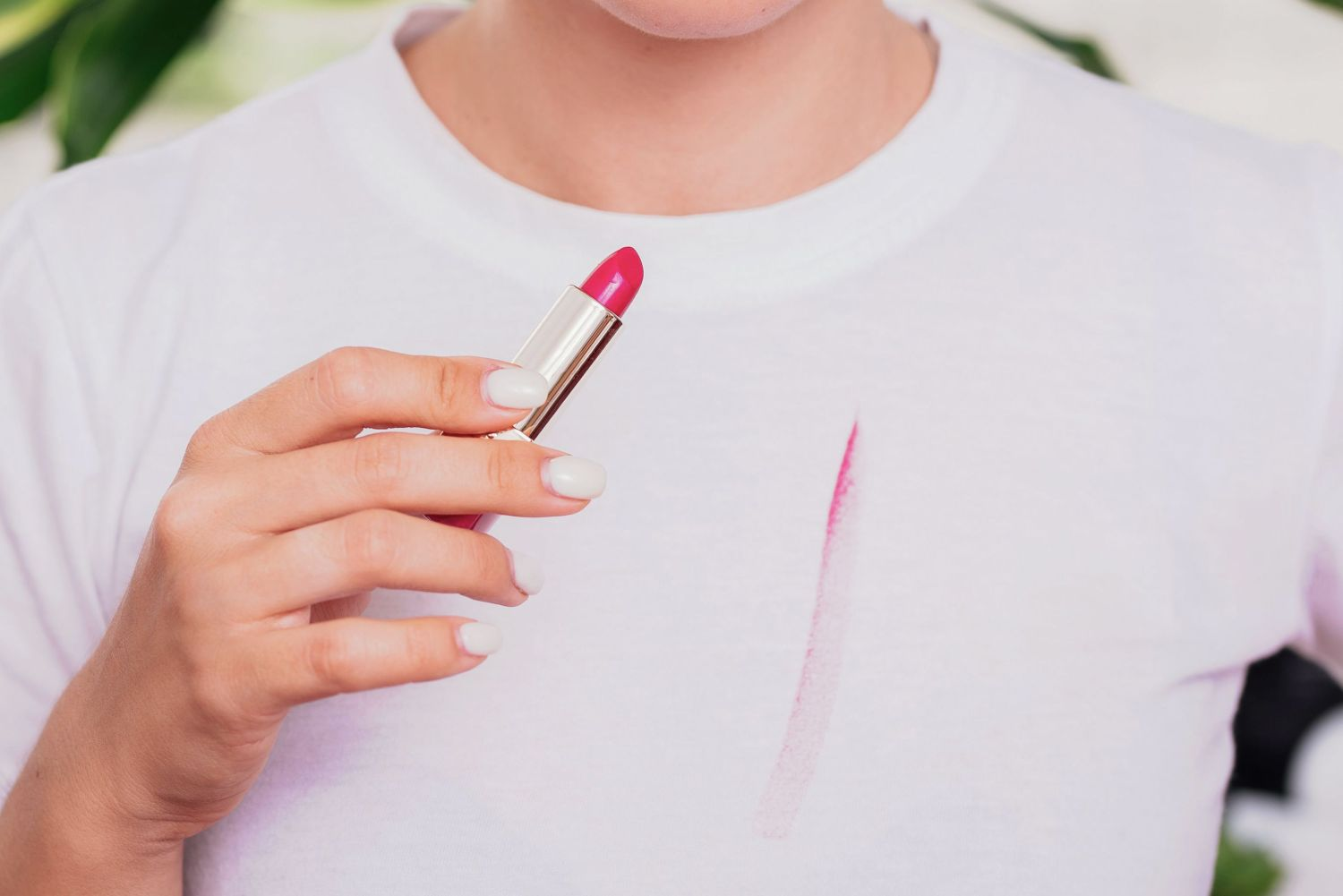 how to remove lipstick from fabric