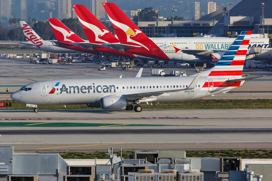 man bought ticket for lifetime air travel but had it cancelled after 10,000 flights