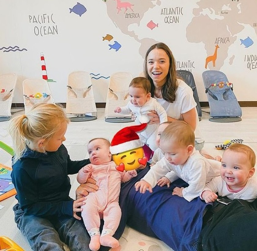young mom with 11 kids wants 100 more to have 'world's largest family'