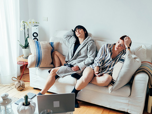 25 impressive life hacks to impress women