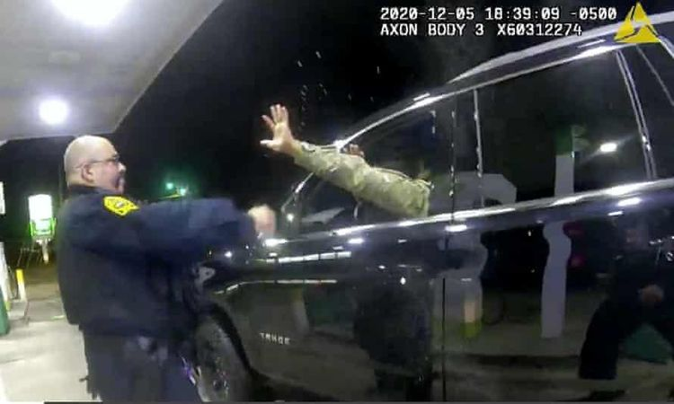 the cop who pepper sprayed a black army officer at traffic stop gets fired