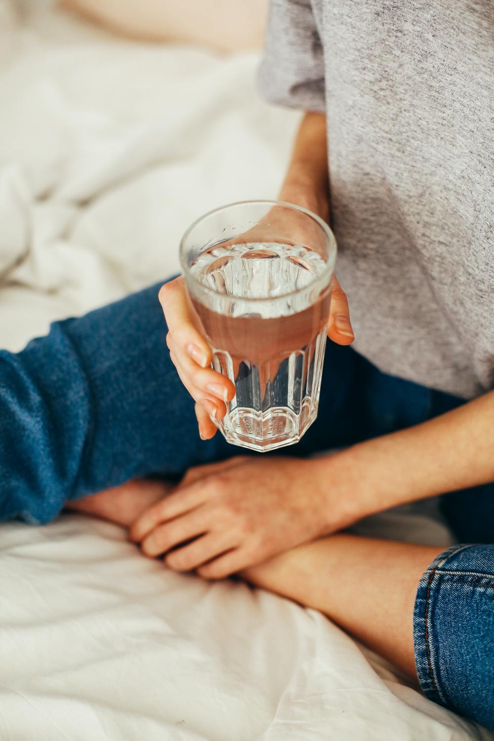 i drank absolutely nothing but water for 7 days. this is how my body changed