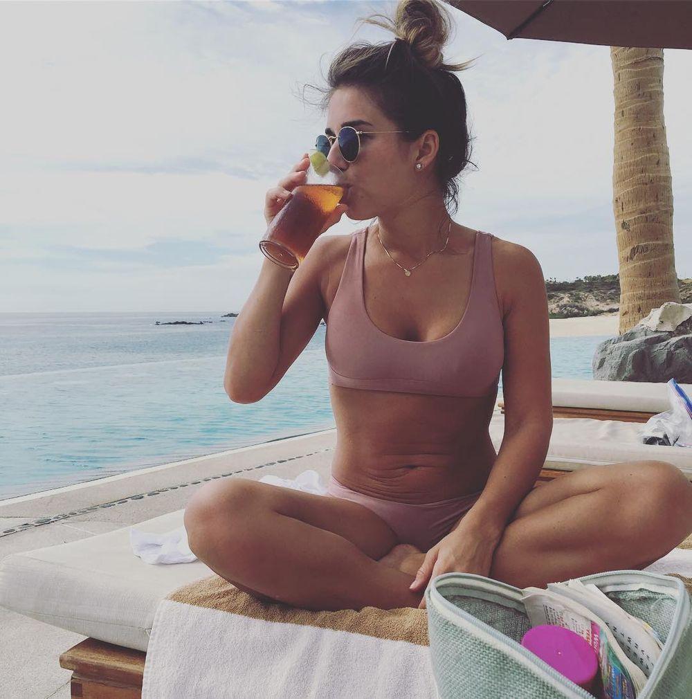 14+ Times Celebs Weren't Afraid To Share Their Unfiltered Bodies On Instagram