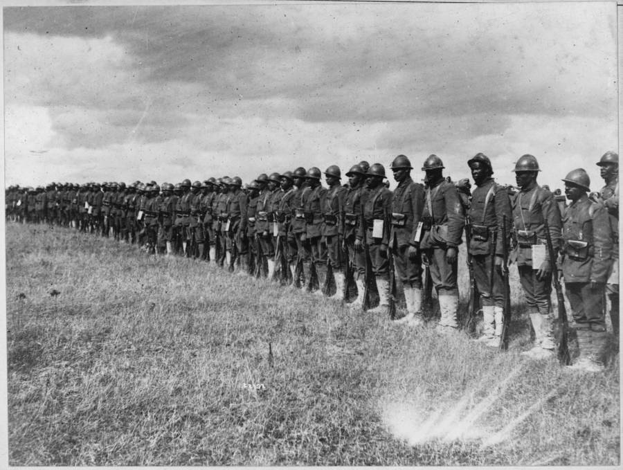 the story of the harlem hellfighters, the overlooked black heroes of world war i