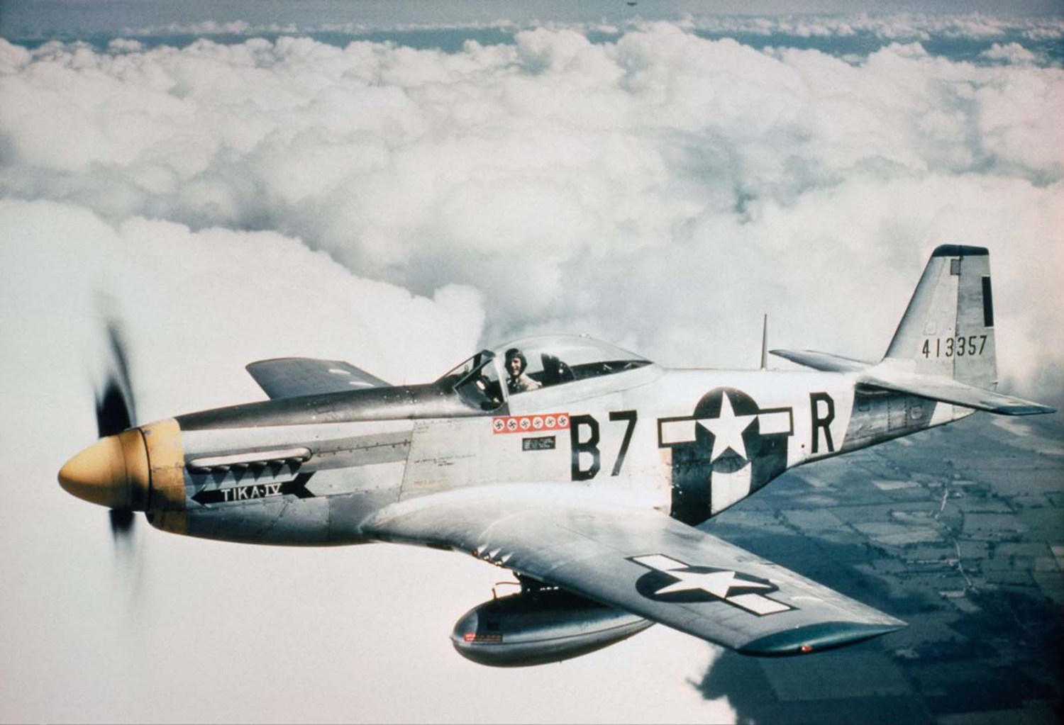 World War 2 Colorized Photos – 42 Stunning Examples