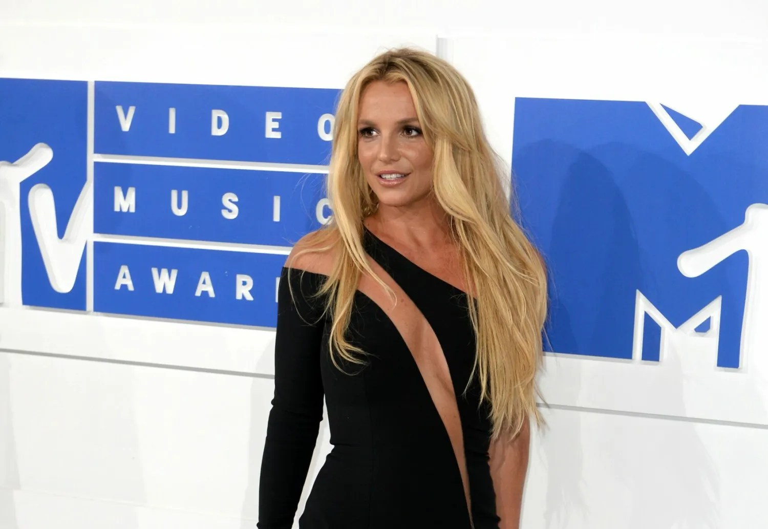 Britney Spears Explains Why She Posts Topless Photos On Instagram