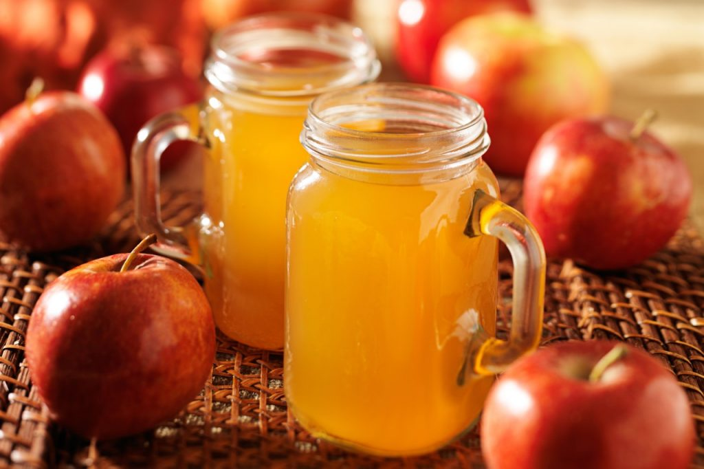 7 Autumn Mason Jar Cocktails
