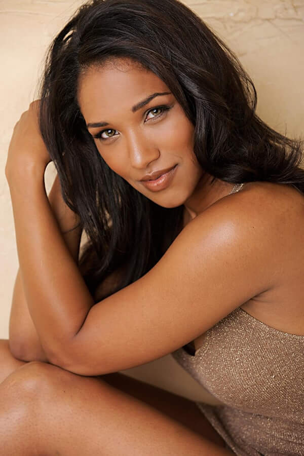 74+ Hot Pictures Of Candice Patton Who Plays Iris West In Flash Tv Series