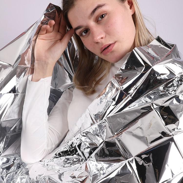 Aluminum Foil Benefits – 11 Unexpected Uses For This Household Essential