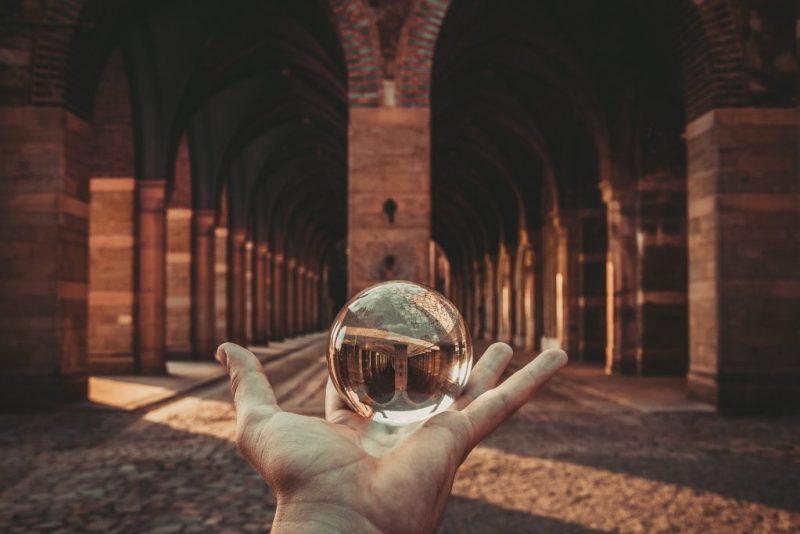 Crystal ball (CC0 Michal Lomza)