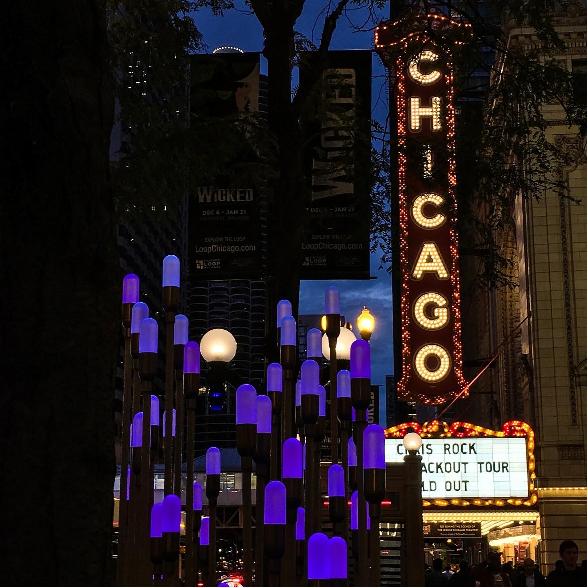 chicagoTheater_lights