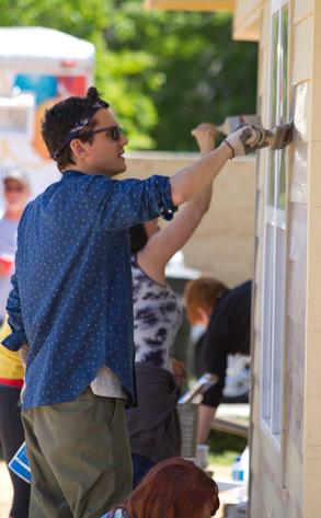 [PDF] John Mayer Helps Build