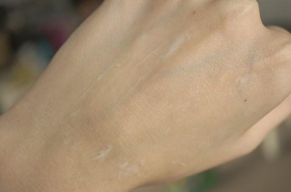 Illamasqua hydra veil gel