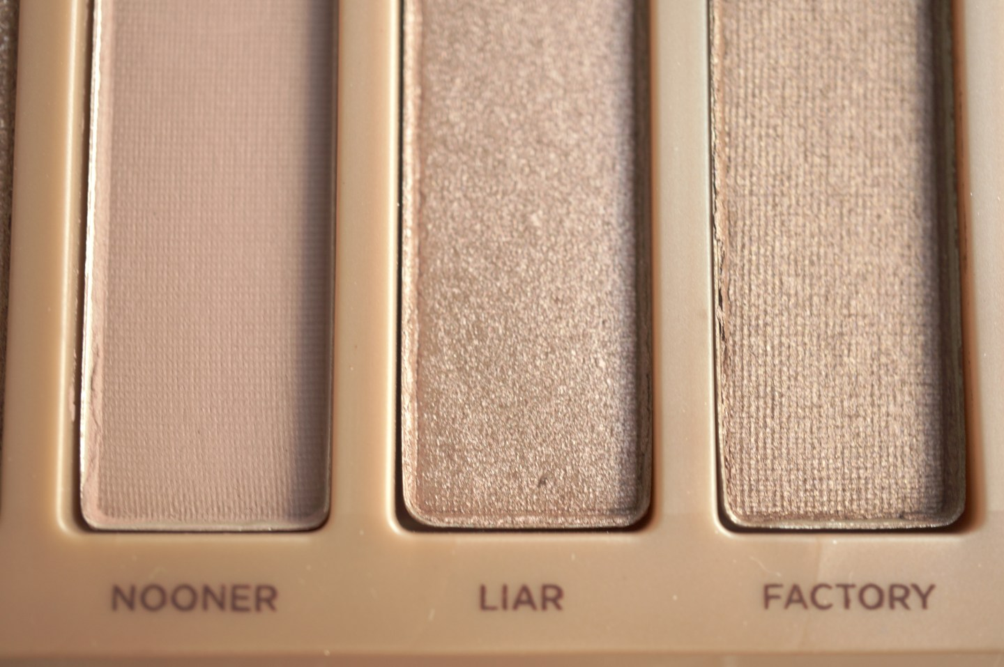 urban decay naked 3 nooner liar factory