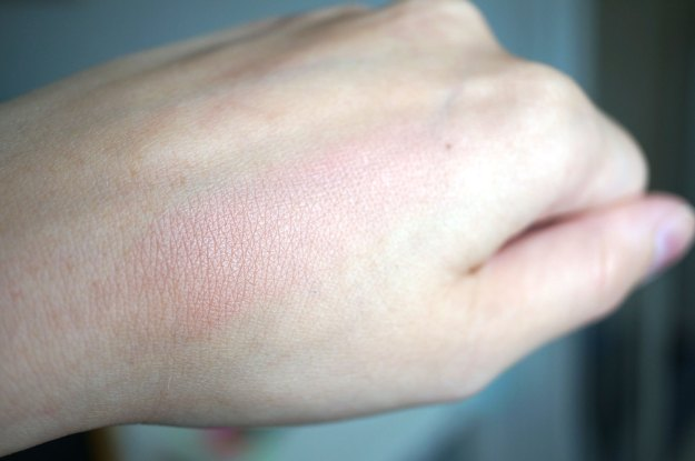 i-heart-makeup-blush-swatch