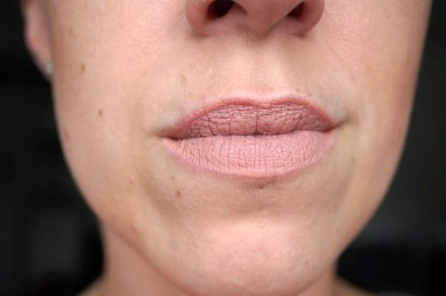 strip-poker-lipstick-review