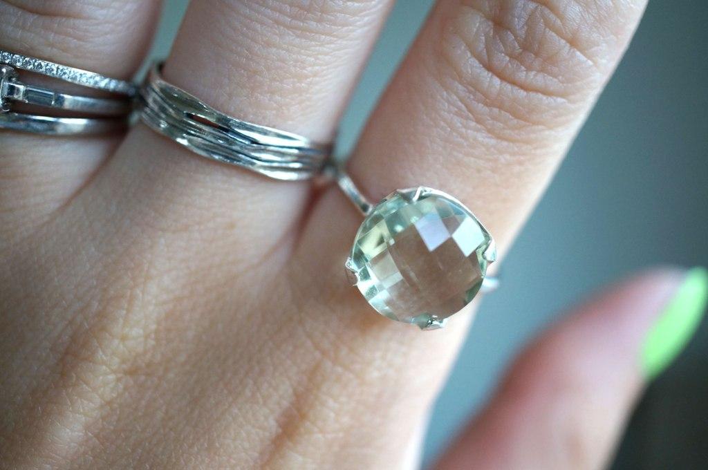 green-ameythst-ring