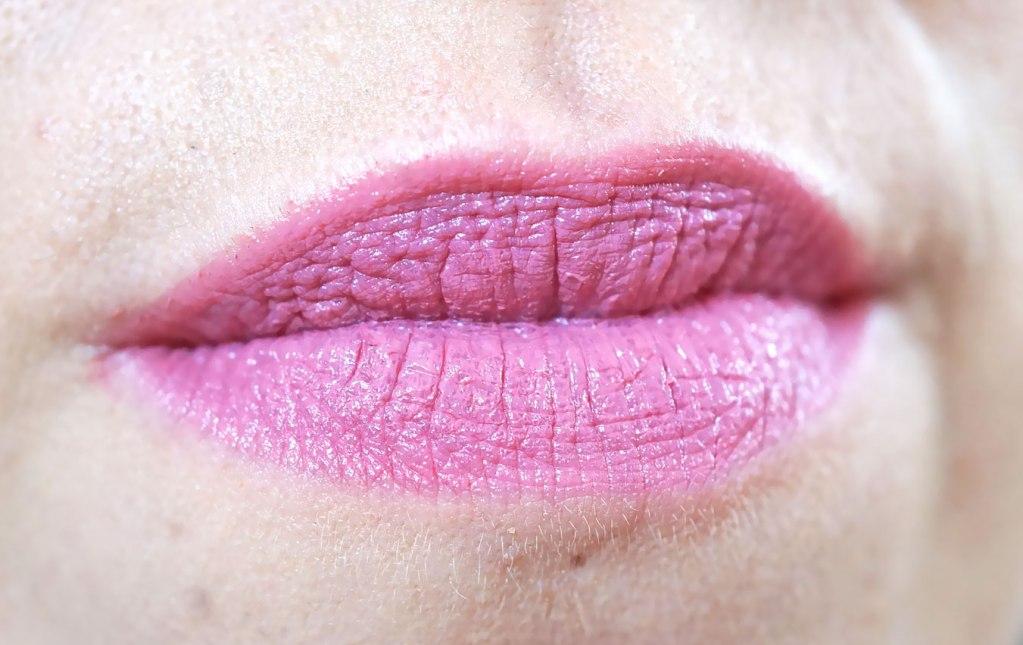 delilah-lipstick-grace-swatch