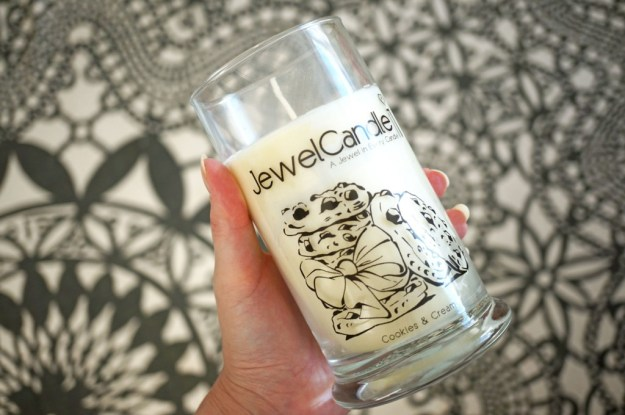 jewel-candle-cookies-and-cream