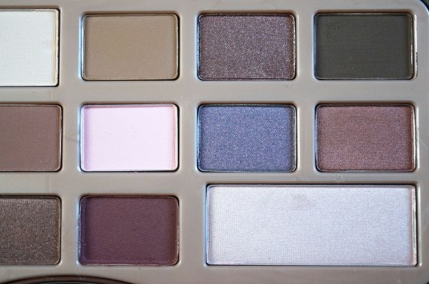 too-faced-chocolate-bar-palette-close-up-2