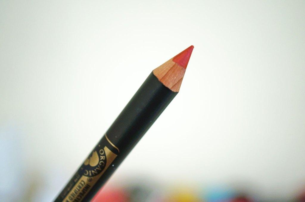 inika-cosmetics-lip-liner-review