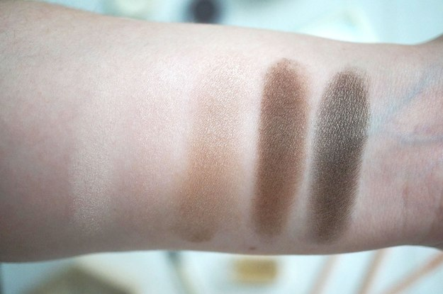 clarins-Limited-Edition-Pretty-Day-5-Colour-Eyeshadow-Palette-swatches