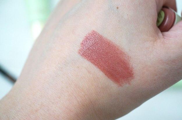 pixi-lipstick-swatch