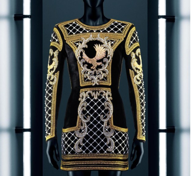 hm-balmain-gold-trophy-dress