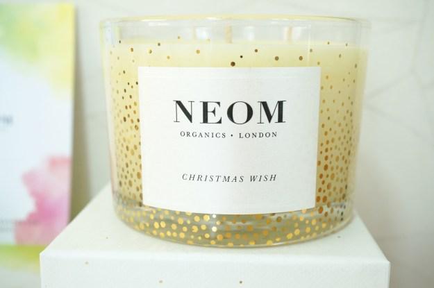 neom-christmas-candle