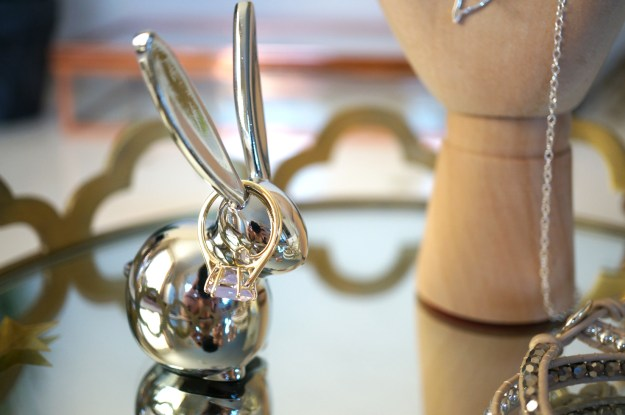 silver-bunny-ring-holder