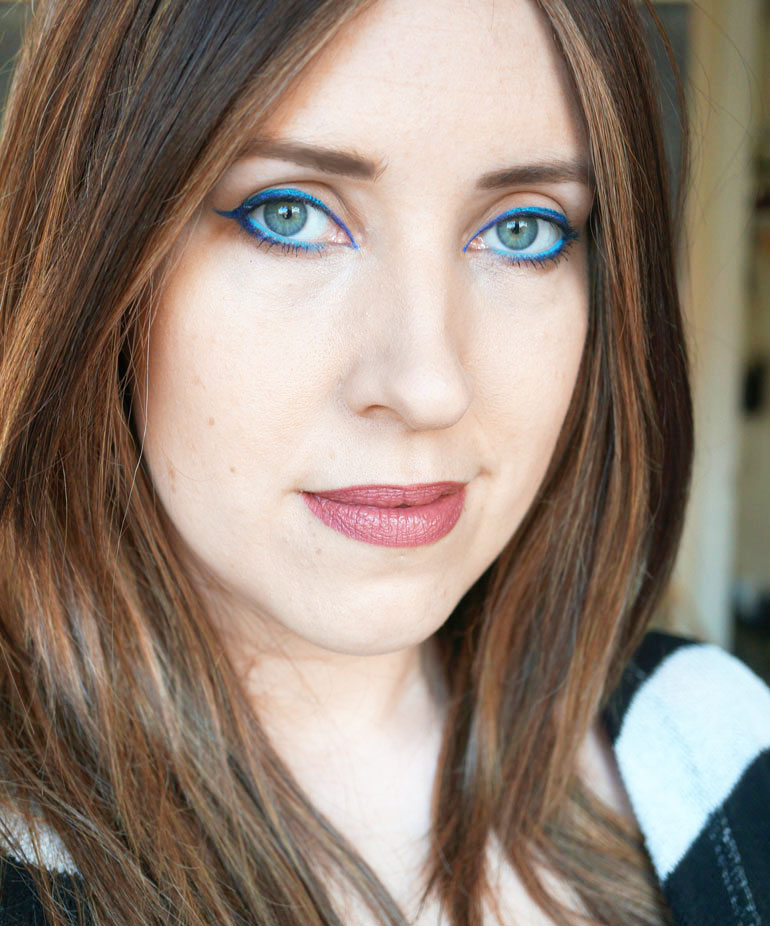 Electric-Blue-Eye-Look_post