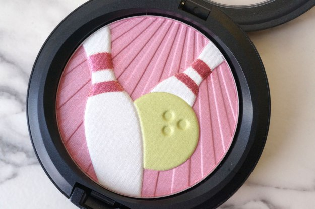 mac-PEARLMATTE-FACE-POWDER-in-trophy