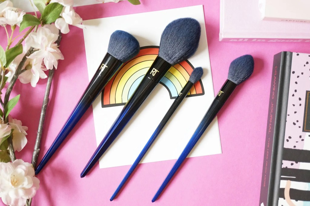 Real-Techniques-Powder-Bleu-Brush-set