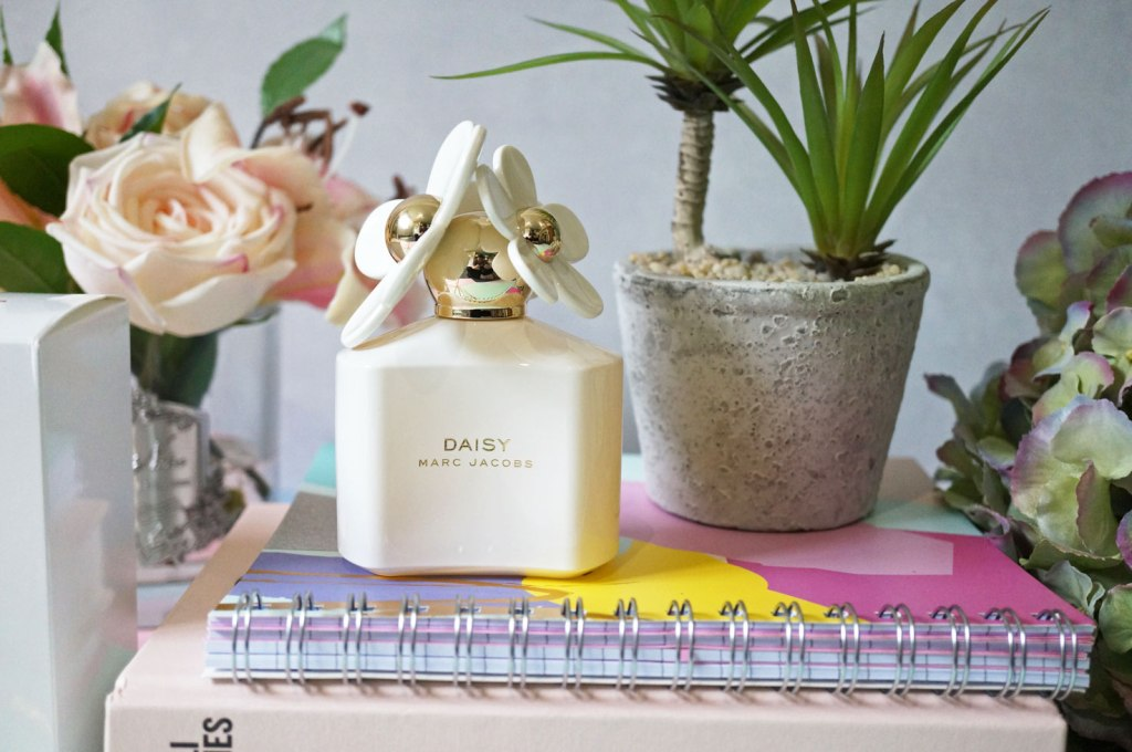 Marc-Jacobs-10th-Anniversary-Limited-Edition-Daisy-White