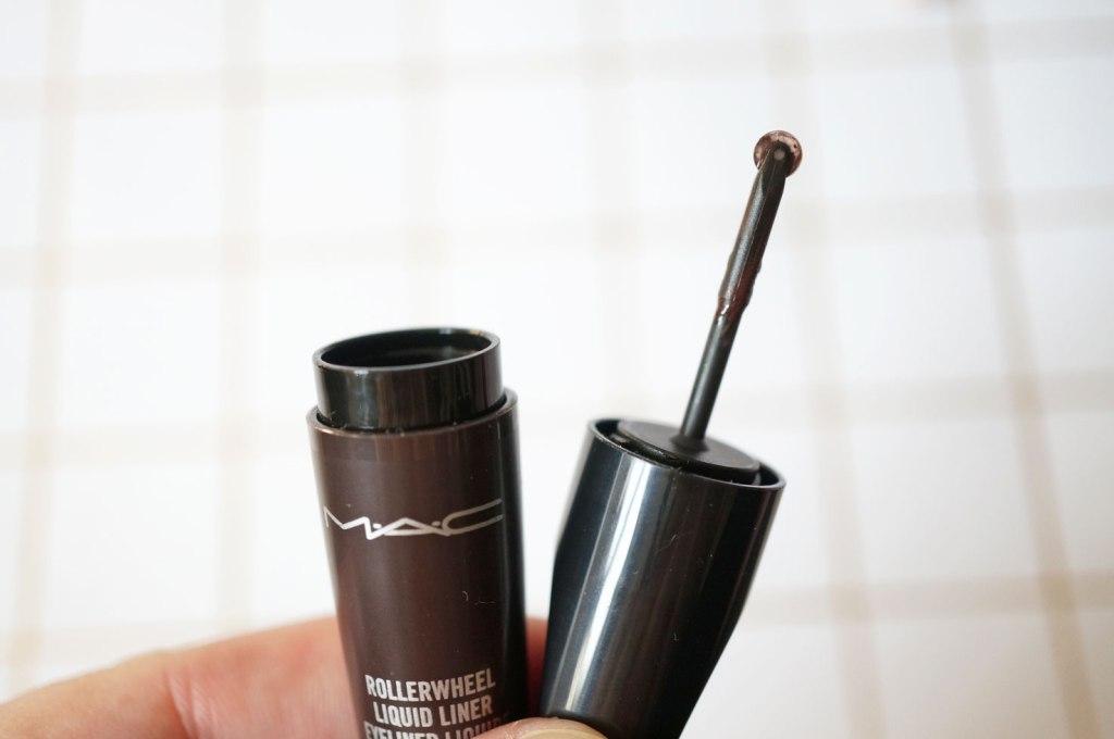 mac-rollerwheel-eyeliner-brown-review