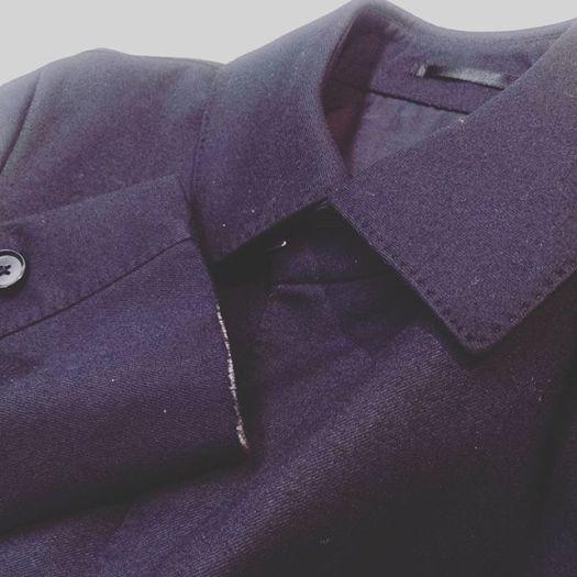 コートの袖口のすれを修理します。#洋服のリフォーム #スレッド名古屋 #名古屋 #メルサ #スカイル #栄 #ファッション #コート #tomorrowland from Instagram