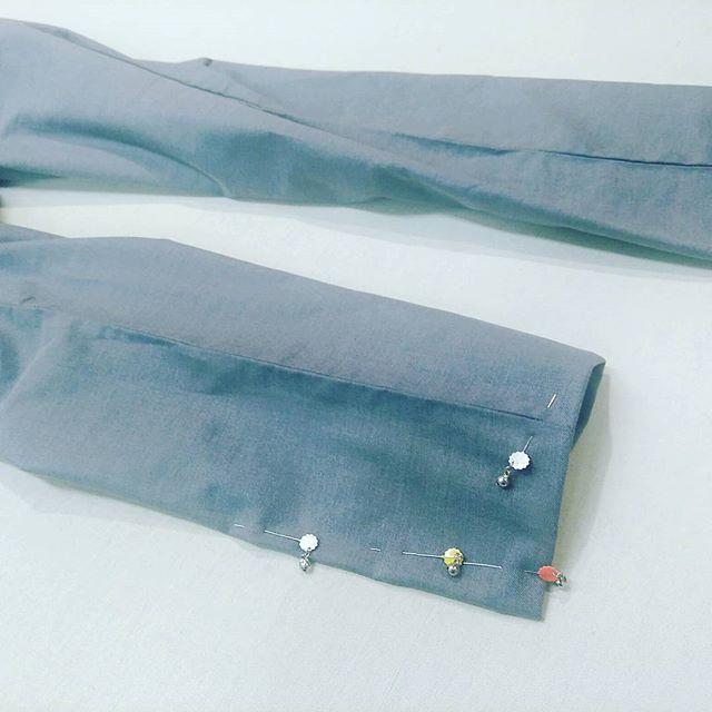 先程承ったパンツです。只今からお直しします。#洋服のリフォーム #スレッド名古屋 #名古屋 #栄 #ファッション #uniqlo from Instagram