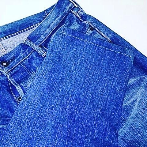 デニムをスリム加工。1枚目、2枚目が加工後です。#洋服のリフォーム #スレッド名古屋 #名古屋 #栄 #ファッション #デニム #スリム #テーパード #kuro from Instagram