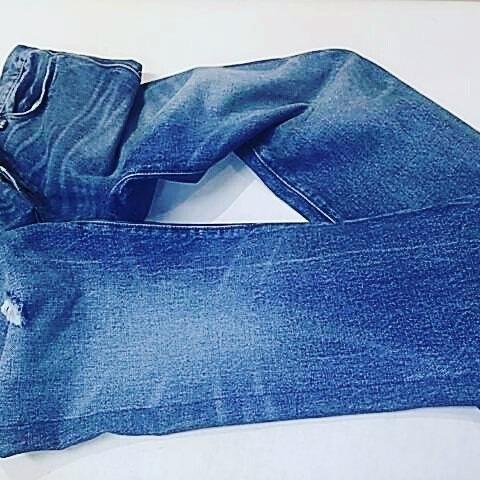 デニムのスリム加工です。3枚目の写真が加工前です。#洋服のリフォーム #スレッド名古屋 #名古屋 #栄 #ファッション #デニム #スリム #jeans #ralphlauren from Instagram