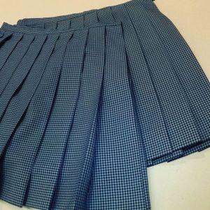 #高校生 #制服 #スカート 丈詰めをお友達どうしでお直しされました。高校を卒業したそうなので思い切って短くしました。#洋服のリフォーム #スレッド名古屋 #名古屋 #栄 #ファッション
